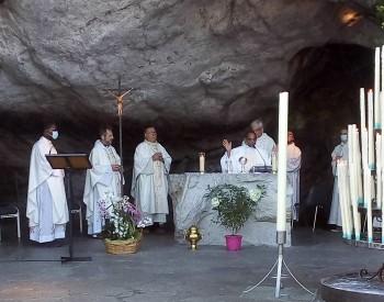 Manuel messe à la grotte